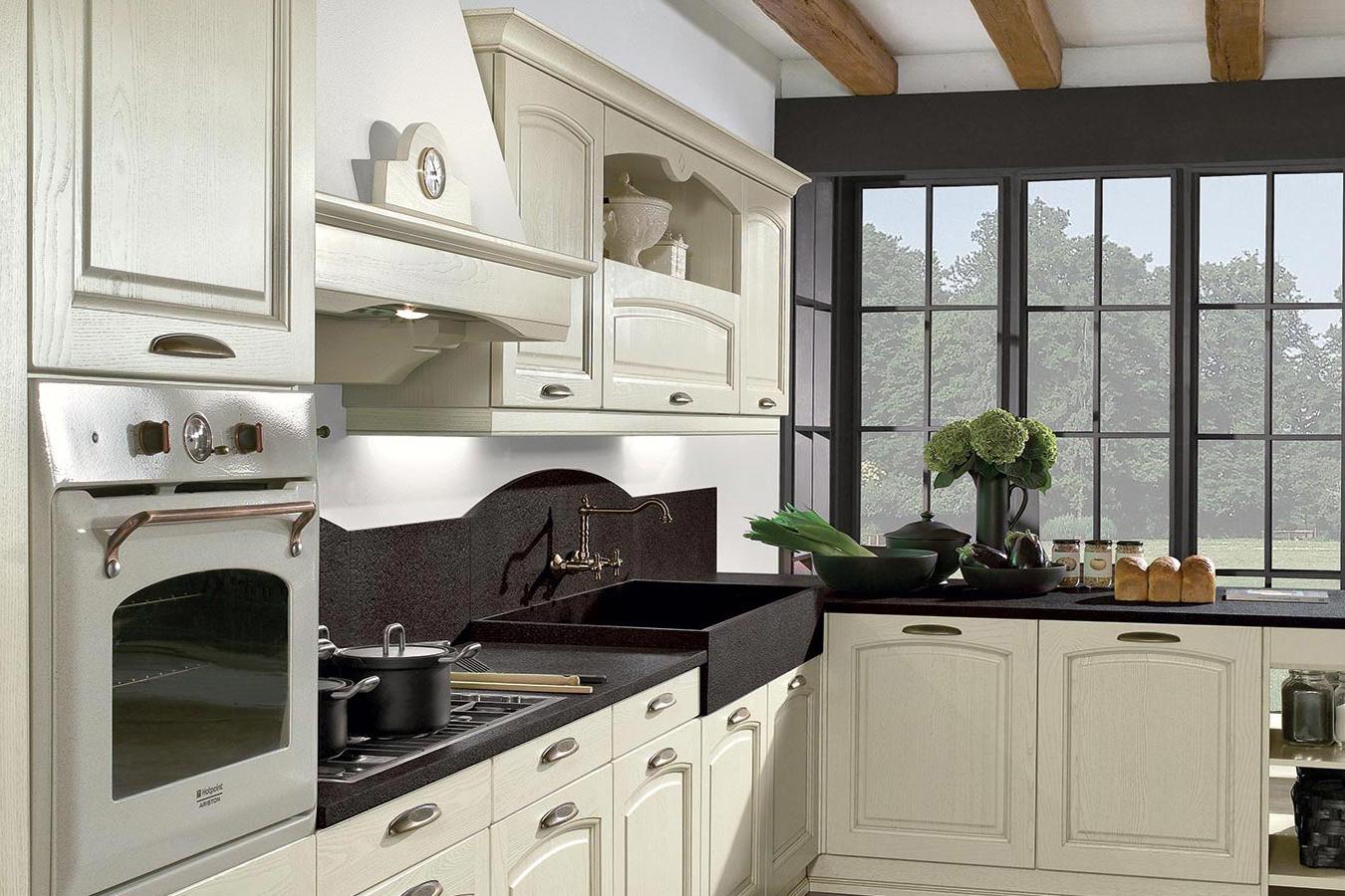 Cucina classica emma di arredo3 righetti mobili novara for Mobili arredo cucina