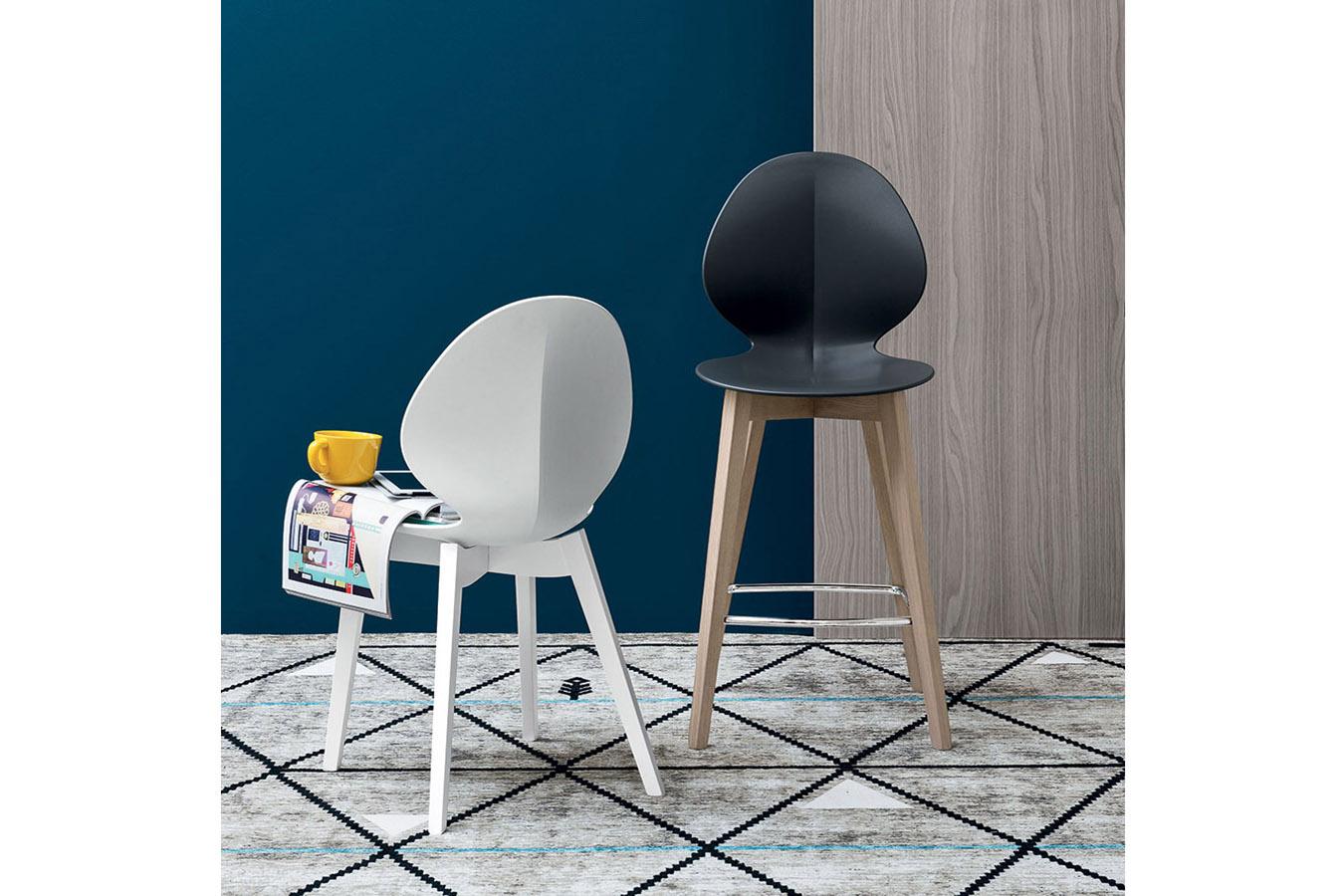 Calligaris-sgabello-sedia-Basil-moderna-design-plastica-metallo-pranzo-cucina-esterno-arredamento-interni-mobili-righetti-novara