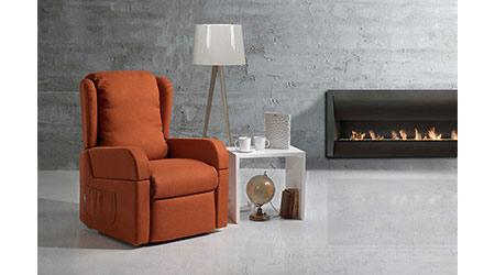 Il-Benessere-Dora-poltrona-relax-elettrica-con-ruote-massaggio-poggiapiedi-reclinabile-in-stoffa-pelle-arredamento-mobili-righetti-novara