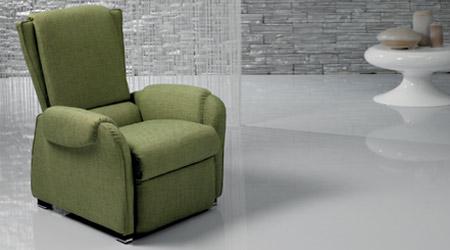 Il-Benessere-Lea-poltrona-relax-manuale-con-ruote-massaggio-poggiapiedi-reclinabile-arredamento-mobili-righetti-novara