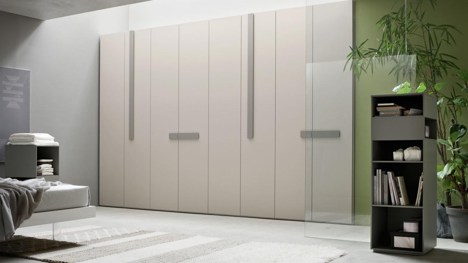 Orme-armadio-Line-2-guardaroba-moderno-design-battente-camera-arredamento-interni-mobili-righetti-novara