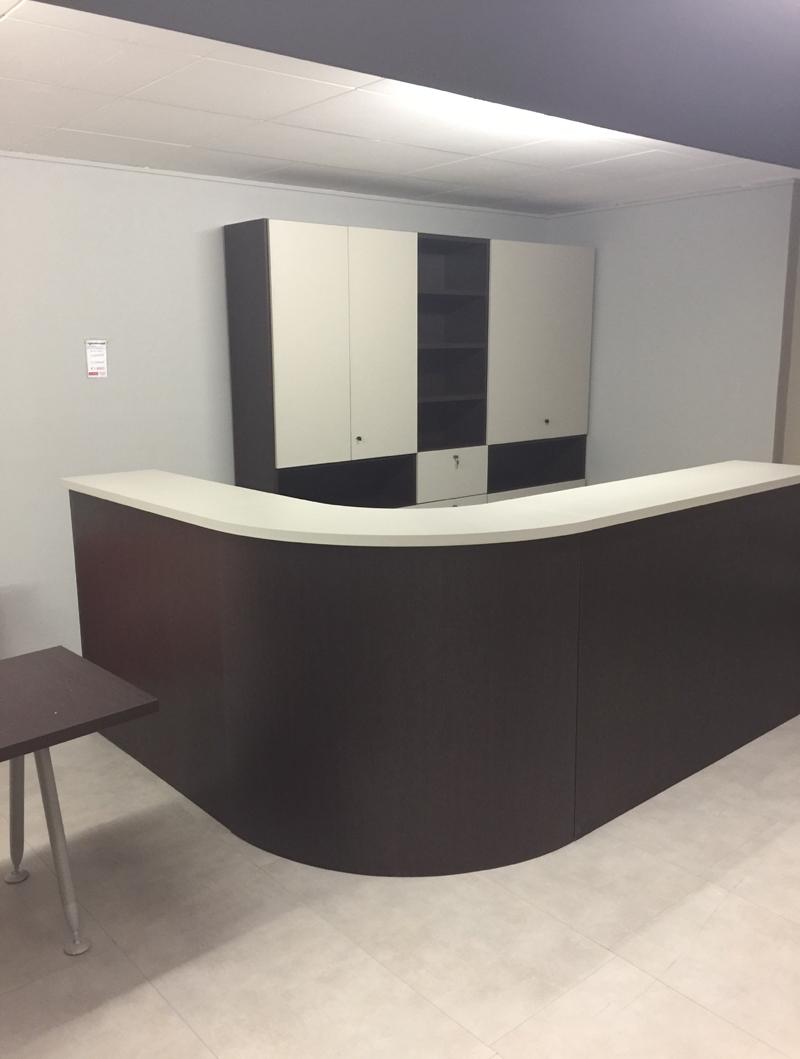 Arredamento ufficio in offerta outlet 2 righetti mobili for Outlet ufficio