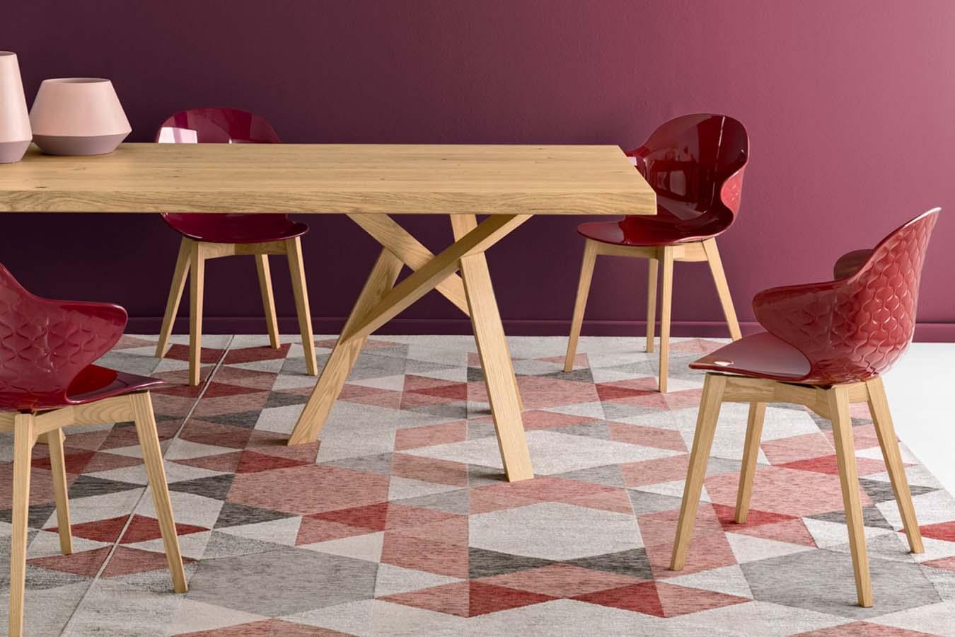 Sedia Saint Tropez di Calligaris gambe in legno da righetti mobili a Novara