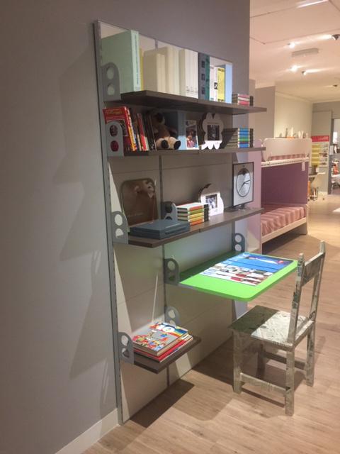 Libreria e scrivania per bambini e ragazzi in offerta